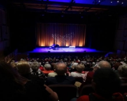 Corporate-Event-Full-House-Theater550x350